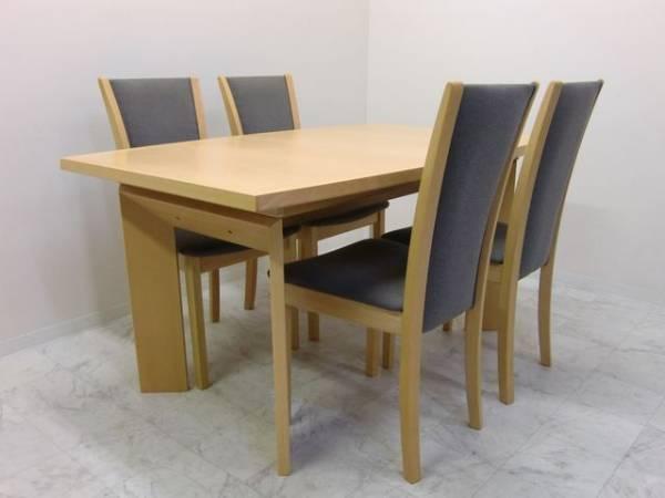 スコービー社 伸張式ダイニングテーブル デンマーク