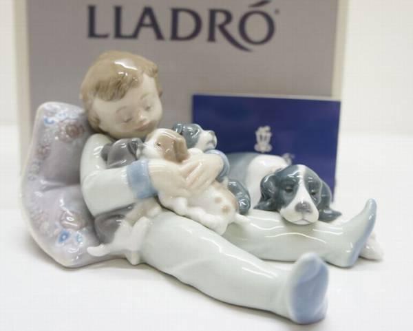 LLADRO 陶器人形 01535「みんなおねんね」